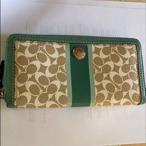 COACH Chelsea Signature Heritage Leather Wallet